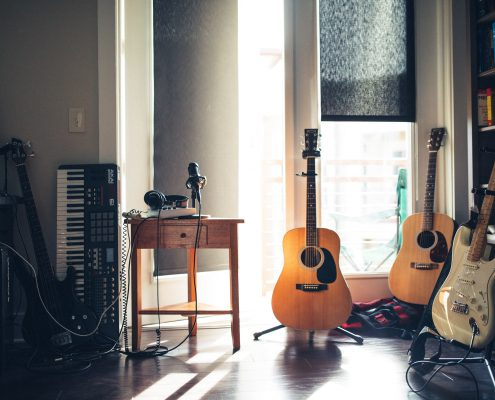 Best Courses for Beginner Guitar Acoustic Electric Lessons
